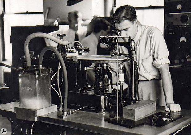 An early electrical recording system.