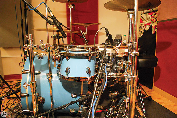 Here you can see the Beyerdynamic M201 used on the rack tom, and the three mics used to give different tonal options from the snare, with two choices of top-snare mic (SM57 and C414) and a  C414 under-snare mic.