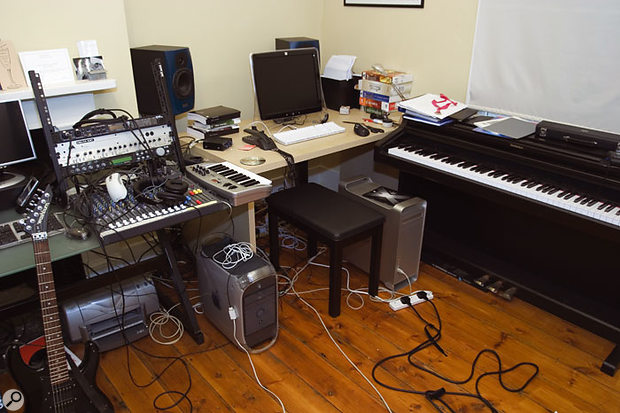 Although Bella's studio setup was not particularly complex, the way it was configured made the working area feel cluttered.