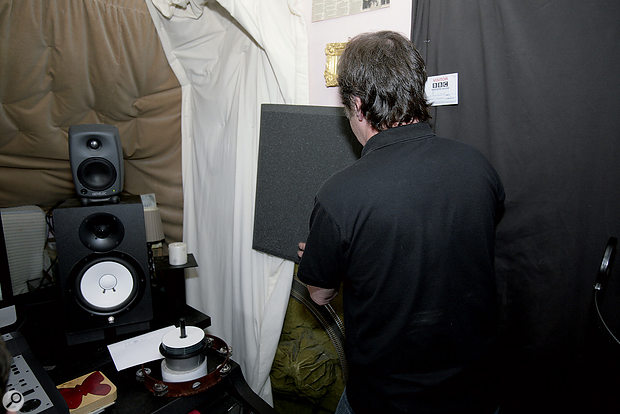 A Universal Acoustics panel placed either side of the monitoring position yielded anoticeable improvement in stereo imaging.