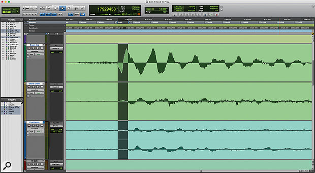 Measuring the delay between snare hits in the Snare Top track and in the Overheads track. Pro Tools reports the Length of the selection as 114 samples (centre, top).