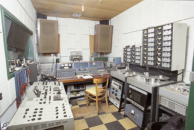 The Toe Rag control room. On the right are Liam Watson's three Studer tape recorders, with the Lockwood speakers on the rear wall.