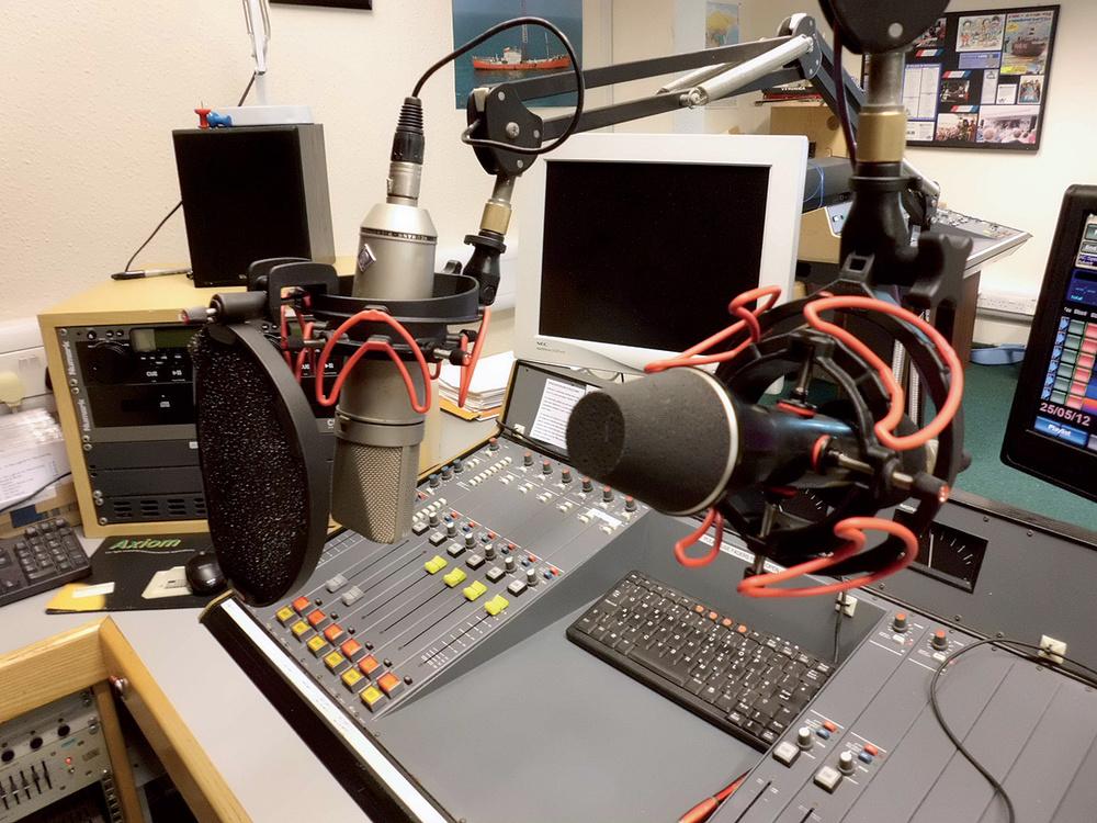 Studio SOS: Radio Caroline