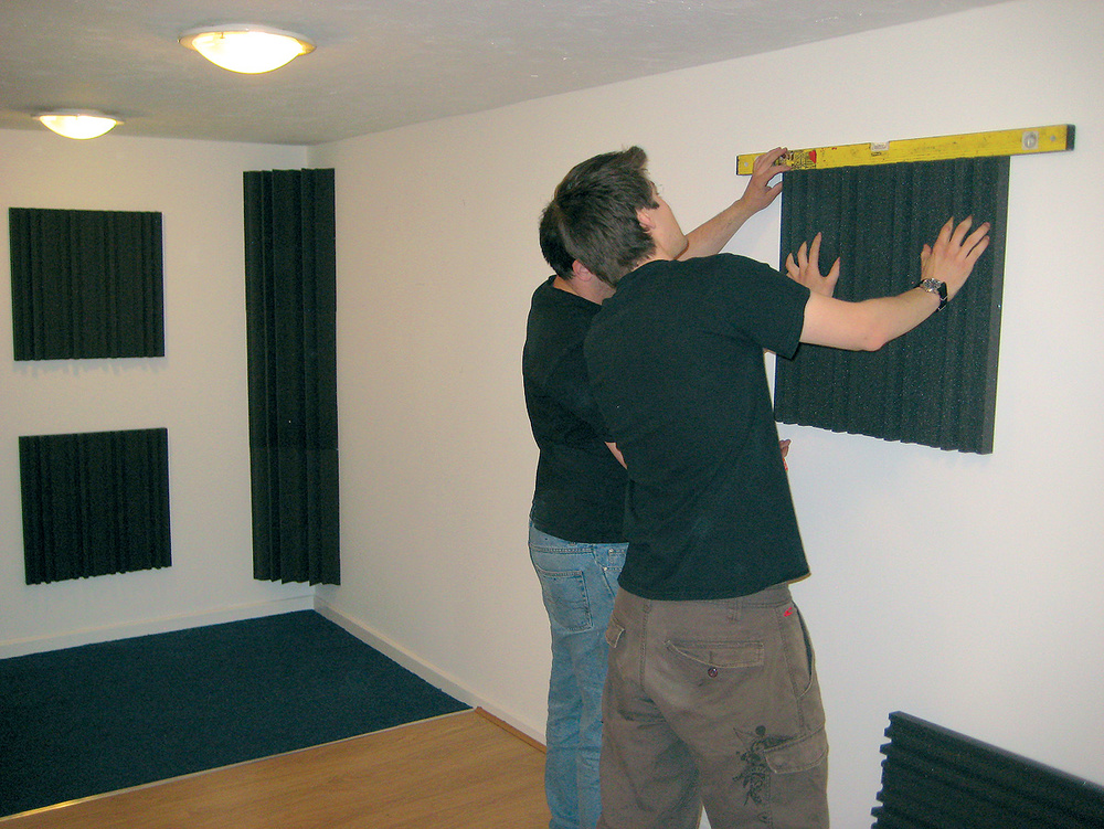 A beginner 39 s guide to acoustic treatment - Bedroom studio acoustic treatment ...