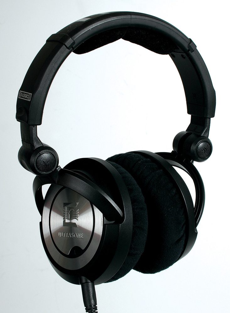 studio headphones. Black Bedroom Furniture Sets. Home Design Ideas