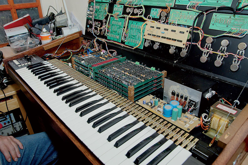 Restoring Analogue Synthesizers