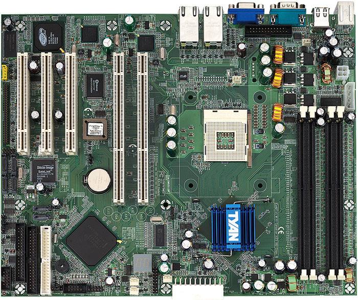 This Tomcat I7210 Motherboard From Tyan Illustrates The Difference Between 32 Bit 33MHz PCI