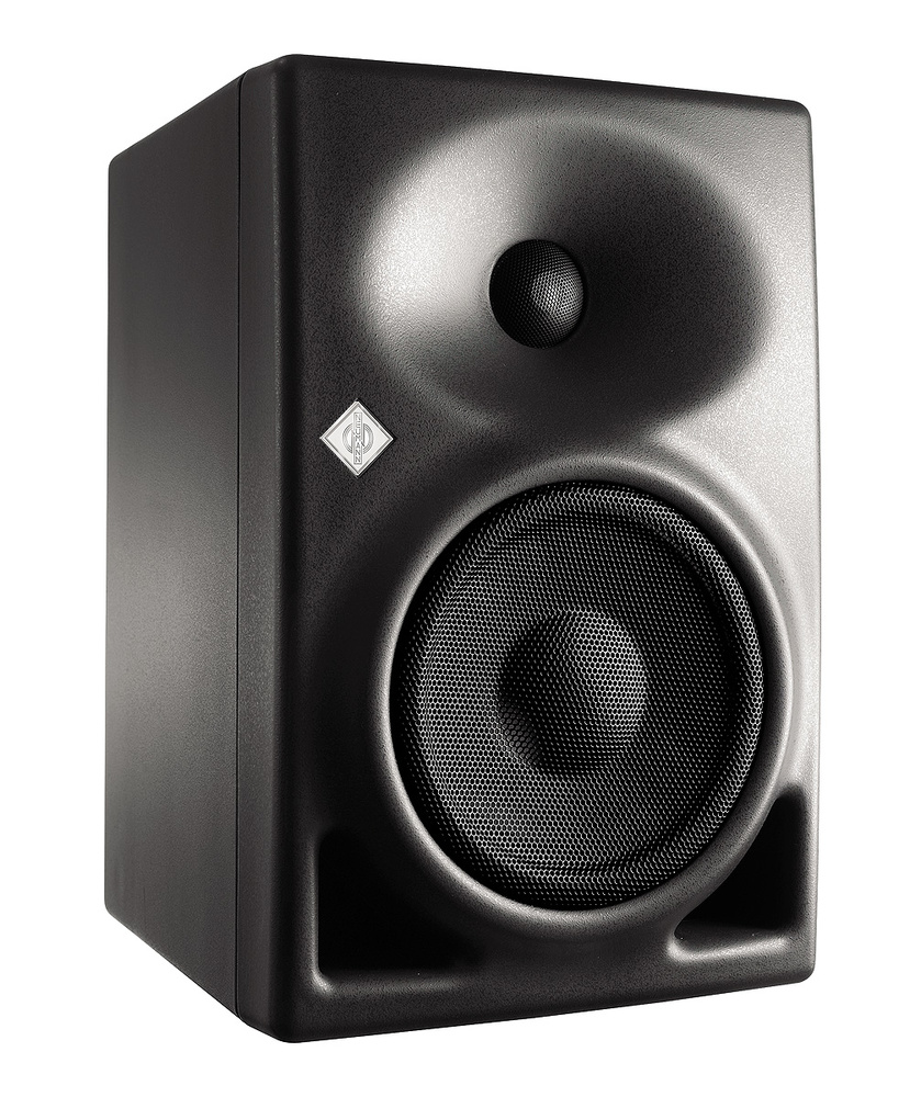 Q  Should I choose small speakers for a small room?