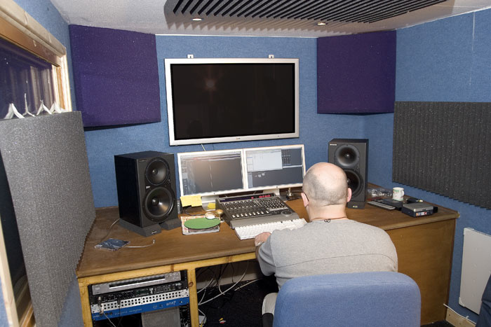 Studio sos guide to monitoring acoustic treatment - Bedroom studio acoustic treatment ...