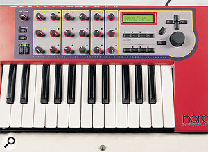 The Nord Modular's hardware front panel, with its 18 freely assignable knobs. The four Patch Group buttons for selecting the Slots are at the bottom right.