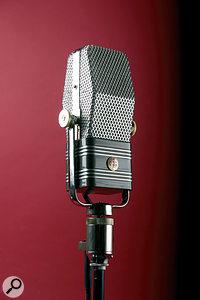 AEAA 440 microphone