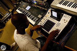 Initially a <em>Logic</em> devotee, Bryan-Michael Cox has grown to love the Akai MPC4000 sampler as a writing tool.