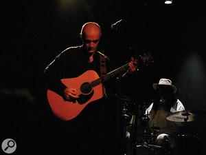Chris Birkett playing live at Les Déchargeurs in Paris.