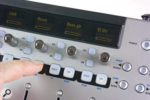 With no dedicated transport controls, the Solo and On buttons for the last four channels double in this role.
