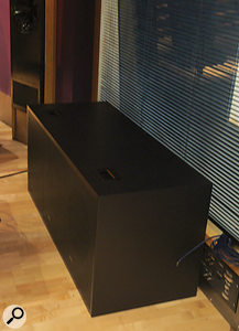 The 7382 subwoofer uses three 15‑inch drivers and is driven by an external 2.5kW amp.