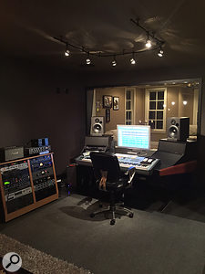 Bernie Herms' Soulfuel Studio is in many ways typical of modern hybrid studio design, combining computer-based recording and choice outboard gear without a  conventional mixing console.