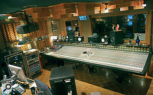 Mix This! is based around an SSL J‑series desk, which Bob Clearmountain has had modified for surround mixing.