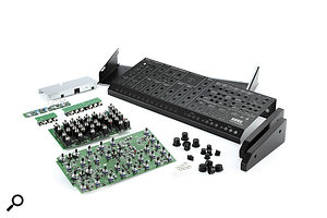 The MS20M in its component parts.