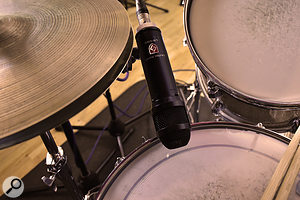 The LS‑208 worked well on snare, providing a very useful amount of hi-hat rejection.
