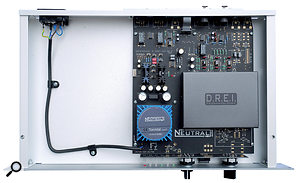 Lifting the lid reveals that the X-DREI's earth is bonded to the chassis via the main PCB.