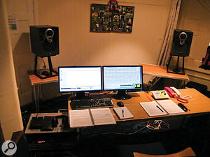 The makeshift 'control room', with Philip Hobbs' own prototype Linn monitor speakers at rear.