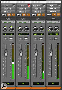 By ticking the Link and Inverse Pan buttons, you can easily experiment with the width of each of your separate frequency bands.