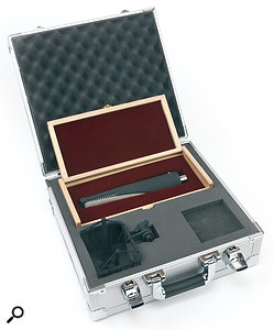 Along with the mic, you get asturdy camera case, within which there's ashockmount and a hardwood box for the RNR1.