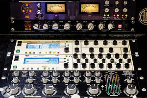 The mastering chain is based on Dangerous Music, Weiss and Maselec processors.