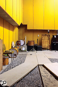The Foley room has a  dry, warm and punchy sound which is ideal for drum recording. Beneath the wooden panels are walkways filled with gravel and sand, made to record the sound of people walking around outside.