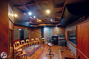Smaller than Studio A, MOSH Studio B is nevertheless generous in size.