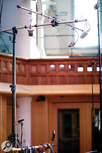 The 'gold standard' for orchestral recording: three Neumann M50 mics in a  Decca Tree configuration.