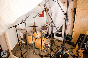 This picture shows the final miking setup for the drum kit, including both overhead mic pairs.