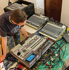 Frequent band line–up changes between numbers meant a  great deal of rerouting and replugging. To avoid confusion and wasted session time, Mike labelled all the main control–room devices extensively with masking tape, as you can see here.