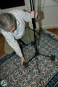With the ceiling and the walls sorted, floor reflections and mechanical vibrations were tamed with a thick rug and Auralex PlatFeet.