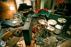 One of Tony Hoffer's favourite studios is The Sound Factory in LA. Here, the crowded live area in Studio B reflects his preference for recording bands (in this case, Elviin and his band) live and 'in the room'.