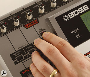 The BR1600CD's unusual Level Calibration button can be used to set up your recording input levels automatically.