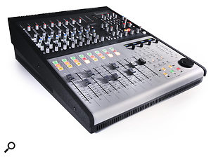 <strong>Focusrite Control 2802</strong>
