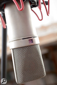Changing the polar pattern on a dual‑diaphragm condenser mic doesn't only change the amount of spill picked up: it can also change the tone of that spill, and often makes a noticeable difference to the on‑axis frequency response too.