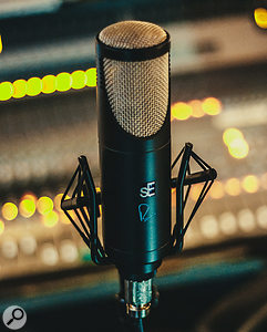 sE Electronics RNT large diaphragm condenser valve microphone.