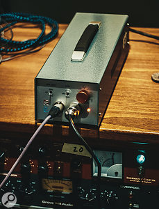 As well as providing power to the microphone and housing the polar-pattern, filter and pad controls, the floor box also incorporates an active solid-state gain stage.