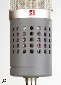 Like its predecessor, the Gemini II boasts twin valves, one for the input stage and one for the output stage, which can clearly be seen through the mic's case.