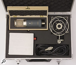 The Z5600a II kit includes shockmount, power supply, cable and separate wooden microphone box, all inside a larger carry-case. The Gemini II comes similarly packaged.