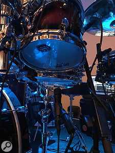 An i5 under one of the snare drums, and an SCX1-HC miking the hi-hat from the underside.