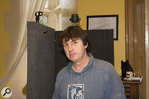 Howard usually sings close to his computer, so we improvised an acoustic shield to keep out unwanted room noise, using wooden coat-hangers and Auralex foam.