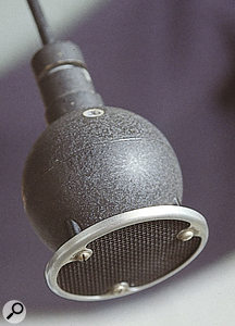 The STC 4021 'ball and biscuit' microphone.