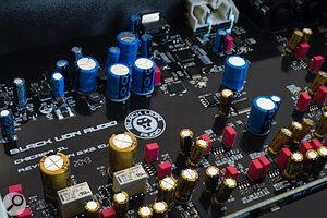 Black Lion Audio Revolution 2x2 internals